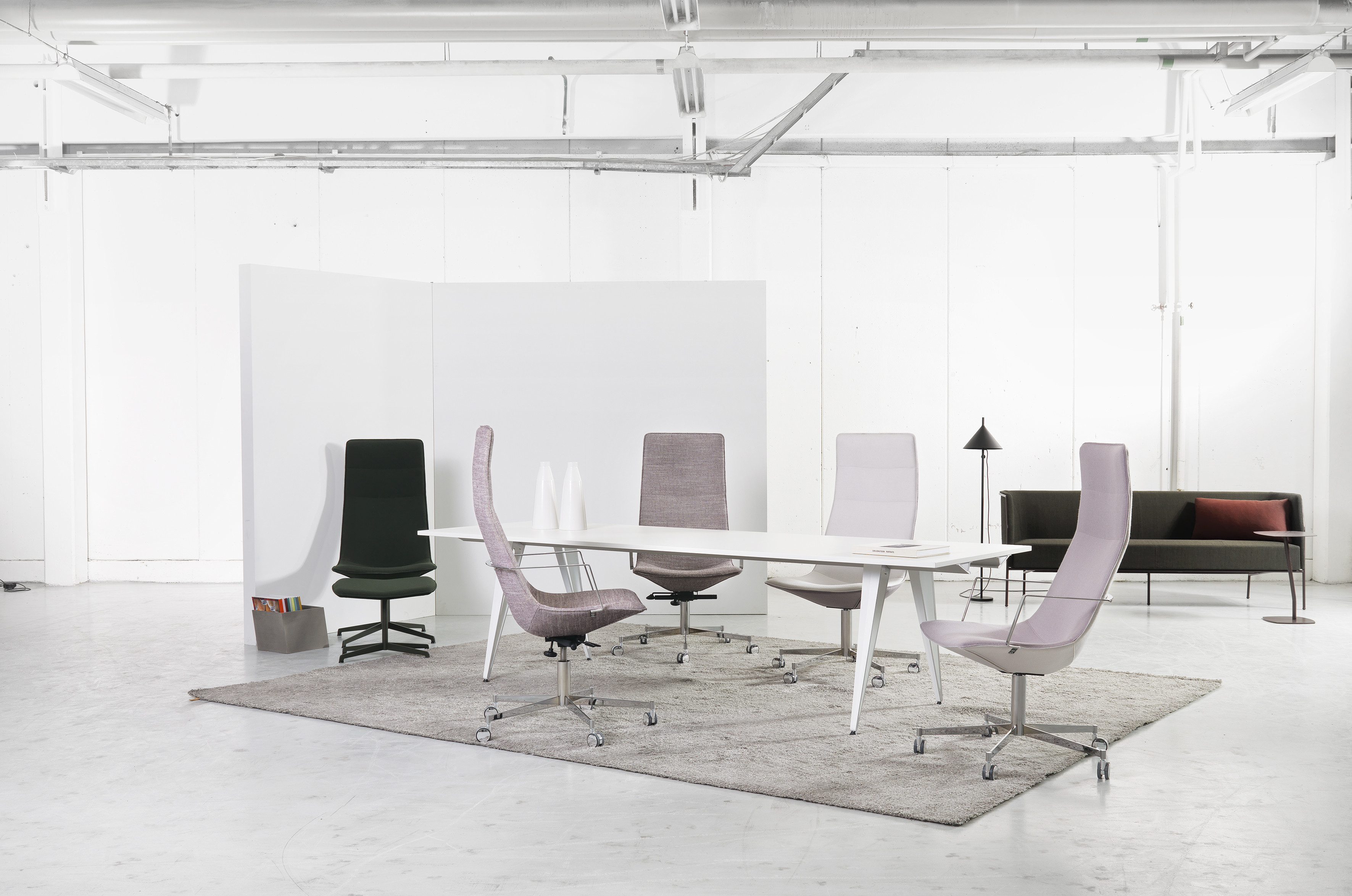et XL Chairs & Armchairs