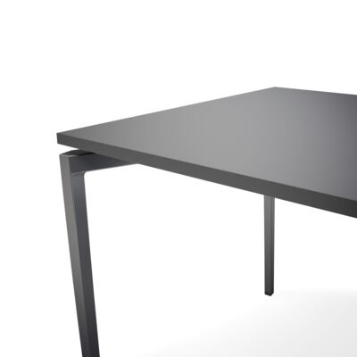 archal_table_darkgrey2_retusch_ben.jpg