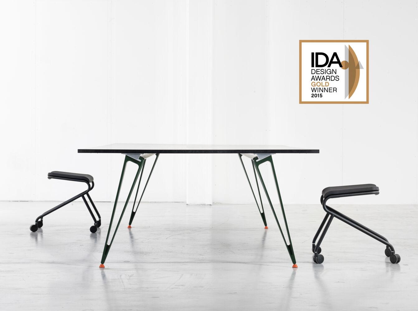 Charmant Attach Table U2013 International Design Awards Gold Winner
