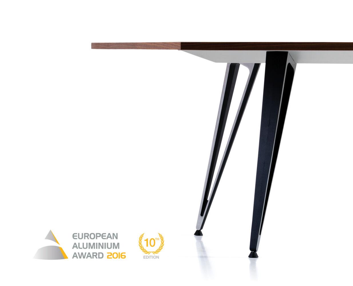 Lammhults u2019 table system Attach, wins the European Aluminium Award 2016 News& Stories Lammhults